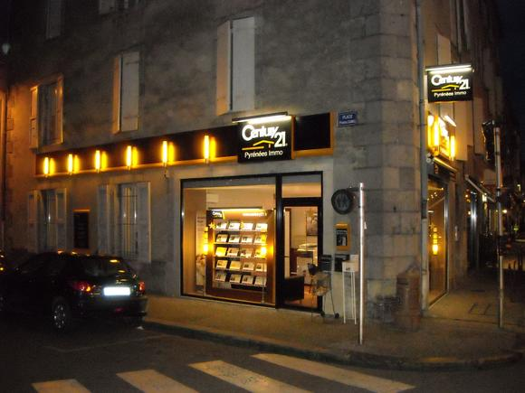 Agence immobili re century 21 pyr n es immo 09200 st girons for Agence immobiliere saint girons 09200